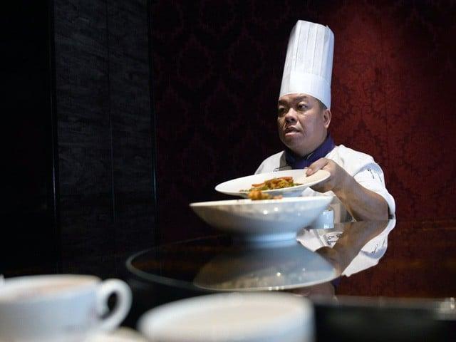 Tuy nhiên, giới giàu Đài Bắc thường lui tới các nhà hàng cao cấp. Đài Bắc là một trong những điểm đến hàng đầu tại châu Á với nhiều nhà hàng cao cấp. Tại đây có 24 nhà hàng được gắn sao Michelin.