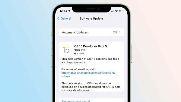 iOS 15 Developer Beta 5 được Apple phát hành